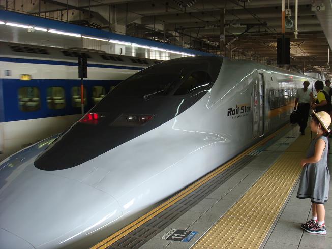 Japan's bullet train - siiikkkkk