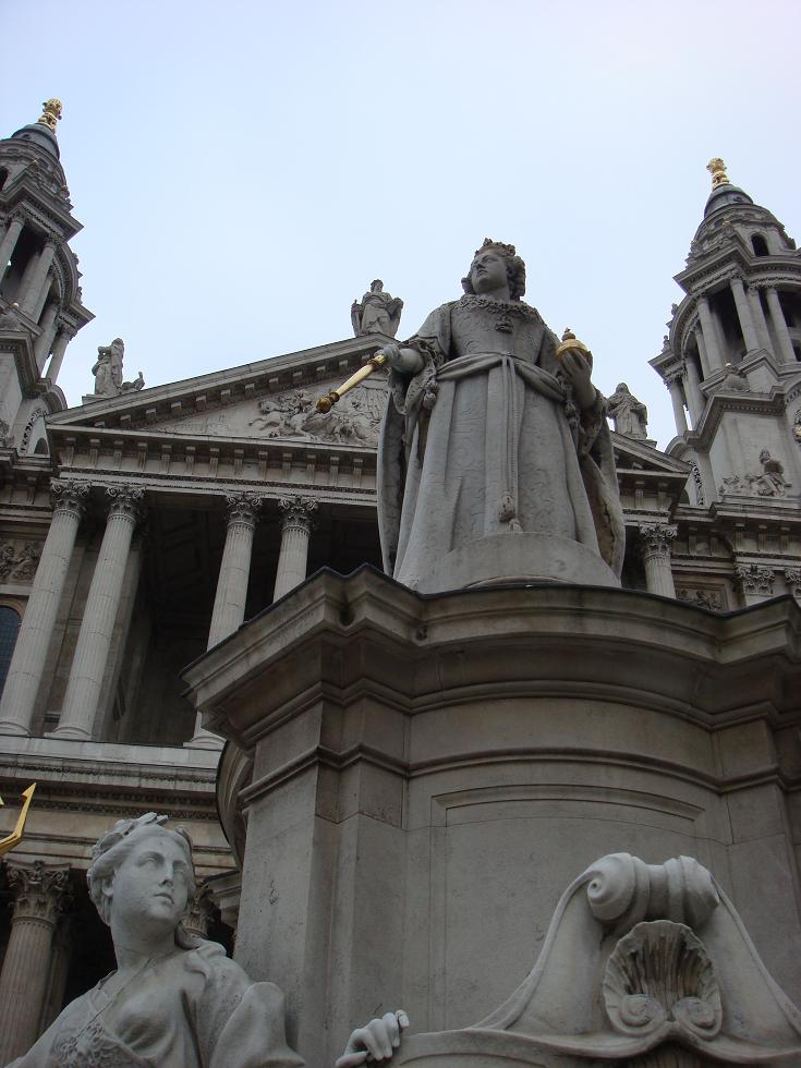st paul's cathedral entrance